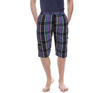 Delhi Seven Cotton Checks Capri For Men_D7Cg018 - Multicolor