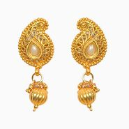 Pourni Stylish Brass Earring_Prer49 - Golden