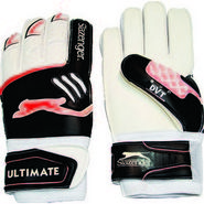 Slazenger Ultimate - Goal Keeper White Gloves Size - 7