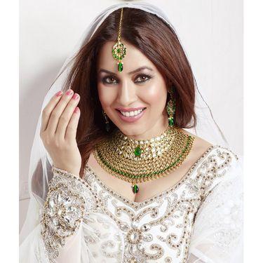 Kriaa Mithya Attractive Design Choker Green & White Kundan Necklace Set with Maang Tikka_2000519