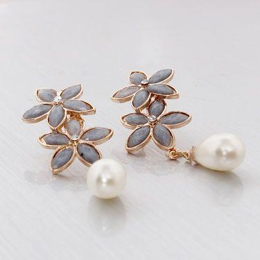 Vendee Fashion Kundan Floral Earrings - Grey & Golden _ 8620