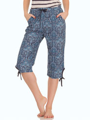 Clovia Cotton Printed Capri -LB0021P08