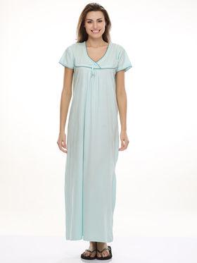 Clovia Cotton Blend Solid Nightsuit -NS0398P03